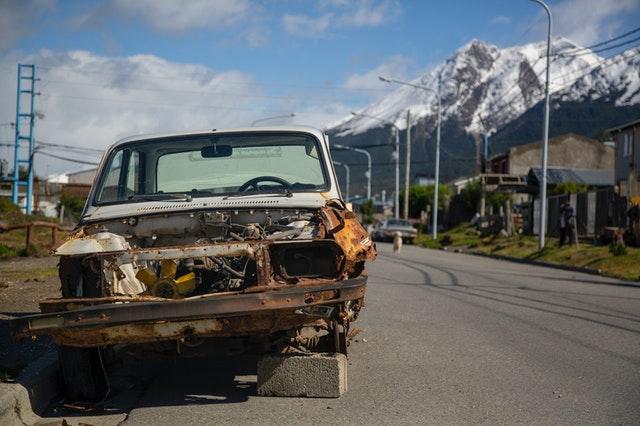 skrota-bilen-gratis-uppsala-bilskrotproffsen