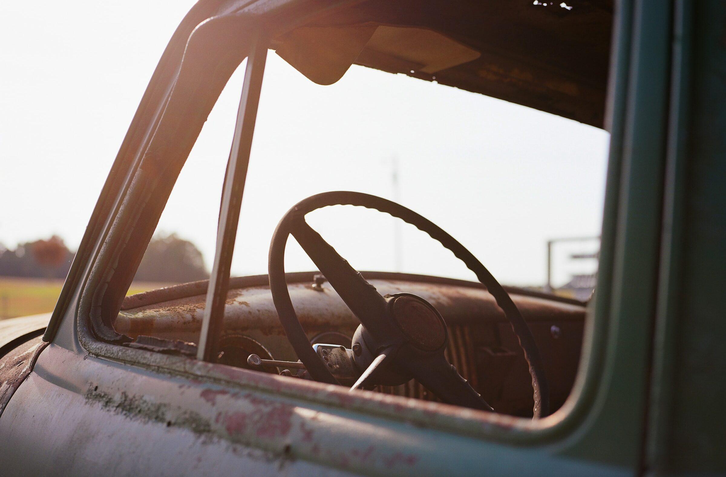 skrota-bilen-karlskoga-bilskrotproffsen