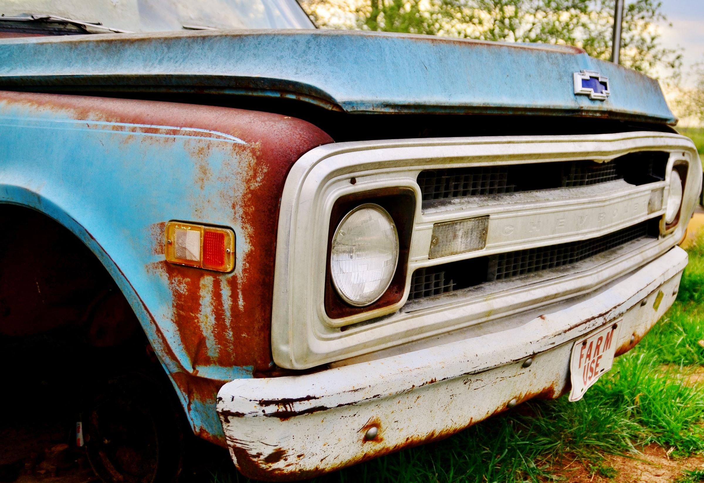 skrota-bilen-uppsala-bilskrotproffsen