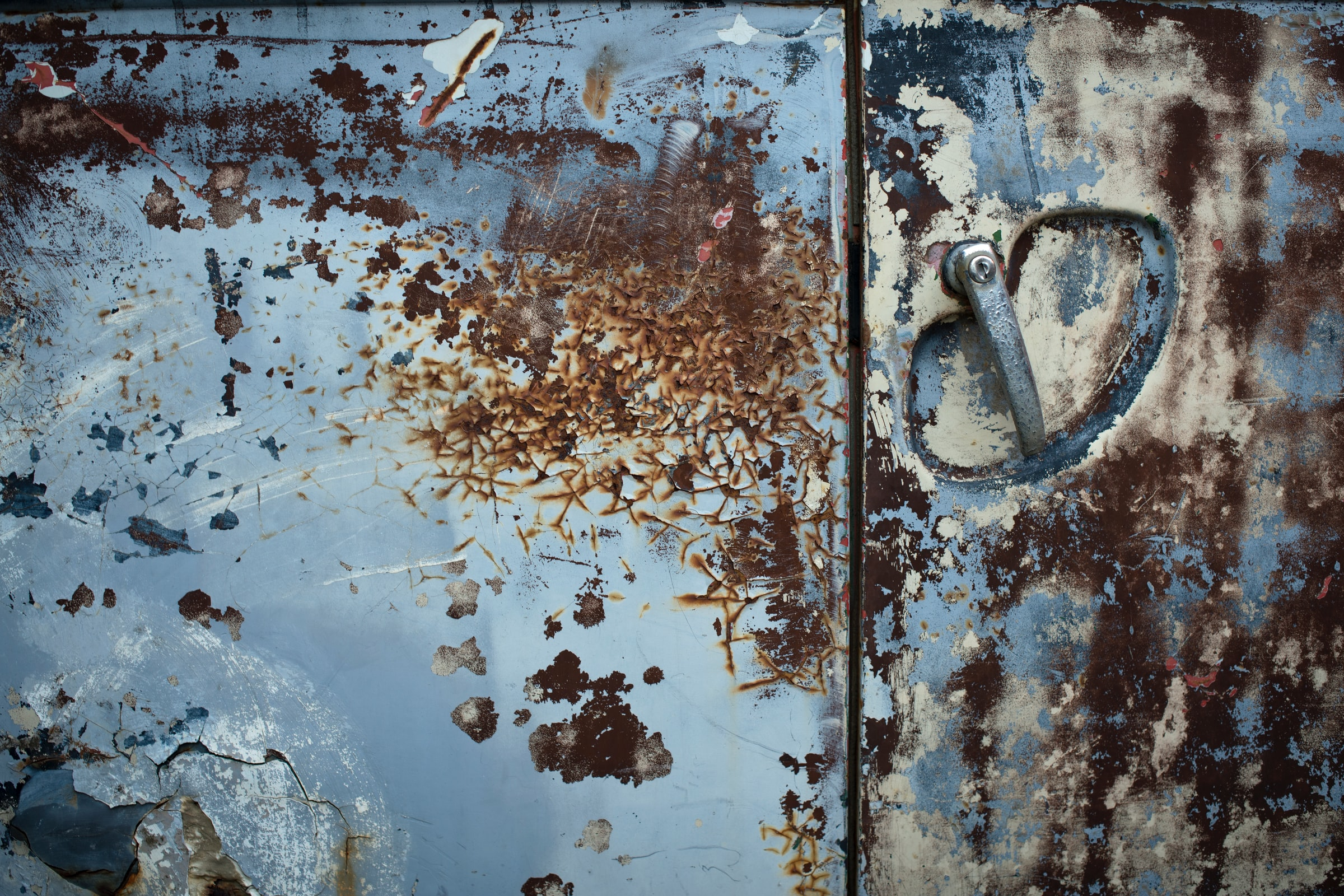 skrota-bilen-orebro-bilskrotproffsen